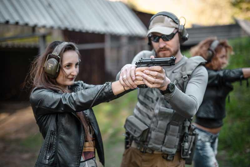 GunSpot - szkolenia strzeleckie, imprezy strzeleckie, team-building, eventy dla firm, trening strzelecki, kurs strzelecki, pozwolenie na broń.